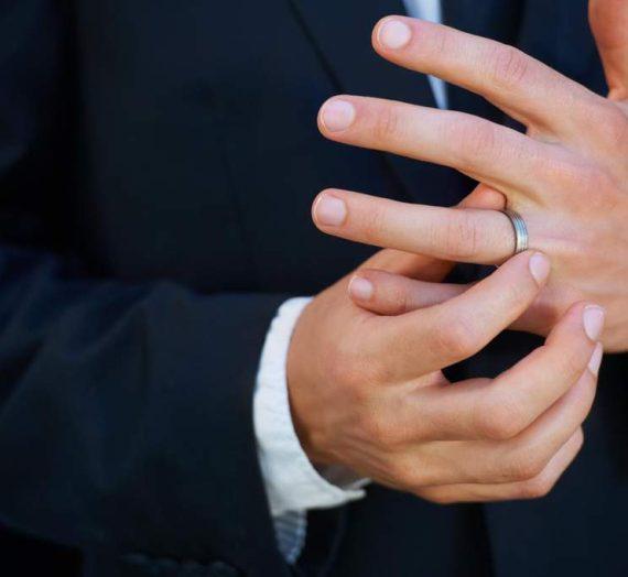 Pravno lastništvo in moški zaročni prstan